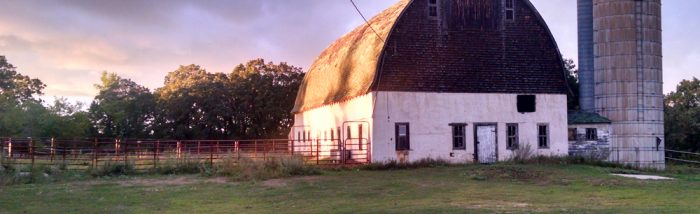 100 year old Minnesota barn at Grandma's House DIY, after fifteen months of renovating my Grandma's 100 year old farm house we still live and breathe DIY around here! Wood working, furniture refinishing, diy, interior design, frugal living, before and afters.