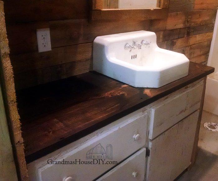 kitchen-wood-countertop