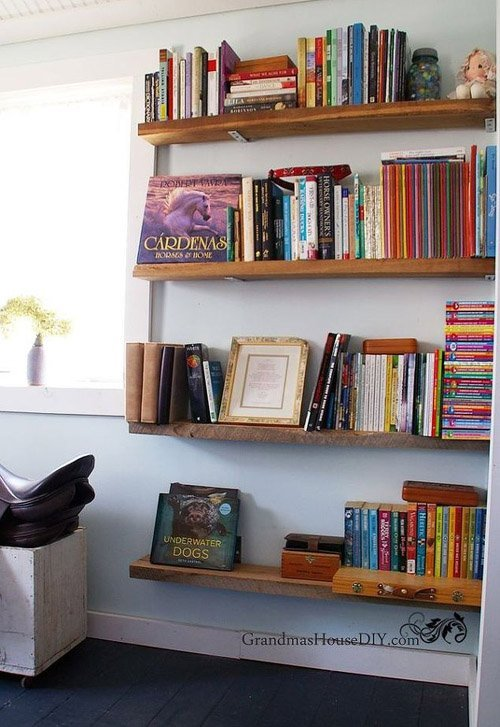 An inspiration board of six projects from Hometalk that are totally devoted to books. Book knife blog, book coat rack, floating book shelves.