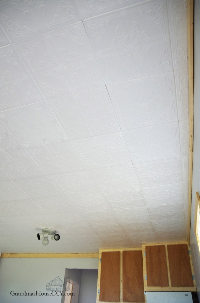 Installing ceiling tiles how to install a sted tin for Fenster beschlagen