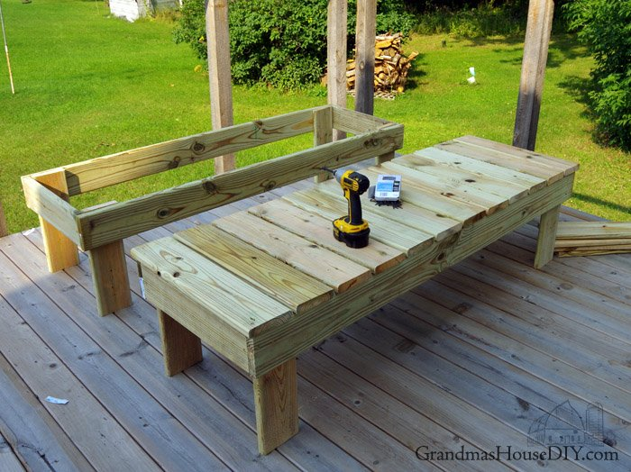 How to build outdoor sun loungers chaise lounges for our deck with a back rest that can lay flat or provide support, how to wood working diy do it yourself