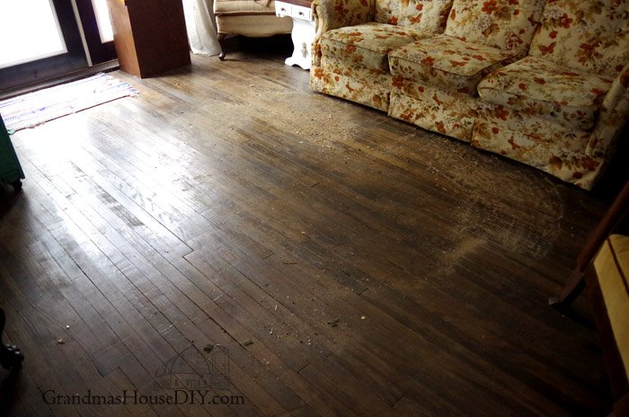How to naturally keep your dark hardwood floors clean without losing your mind, vinegar, water, essential oils and the perfect mop that saved my life