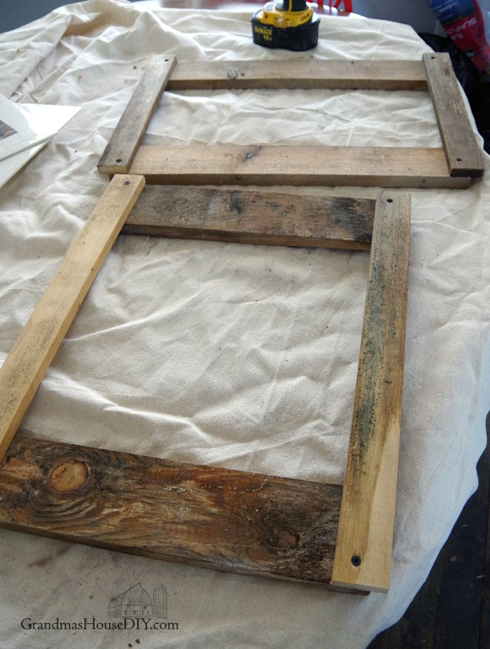 Unique, easy to build, barnwood industrial picture frame with the Farmhouse Hens, how to build, diy, do it yourself frames for prints and pictures, woodworking tutorial, how to. Easy picture frame using old pallets for pics, photos or prints.