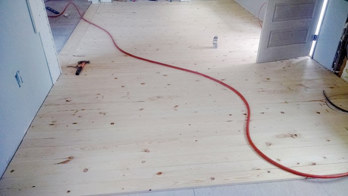 How to lay down an inexpensive wood floor DIY