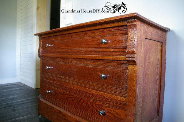 Before and after of an oak dresser @GrandmasHousDIY