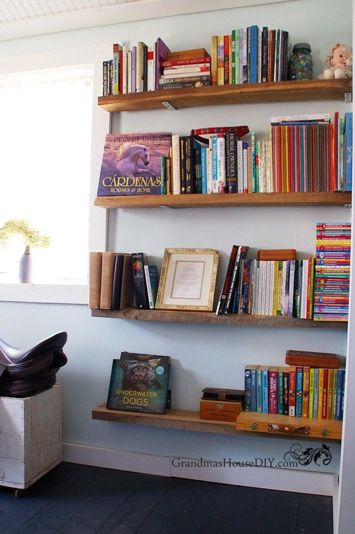 Easy inexpensive cheap DIY tutorial barn wood book shelves