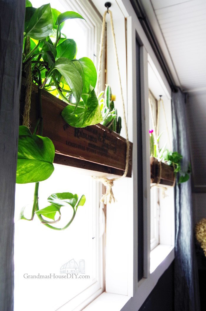 Flower boxes wood working diy hanging flower boxes in our - How to hang plants in front of windows ...