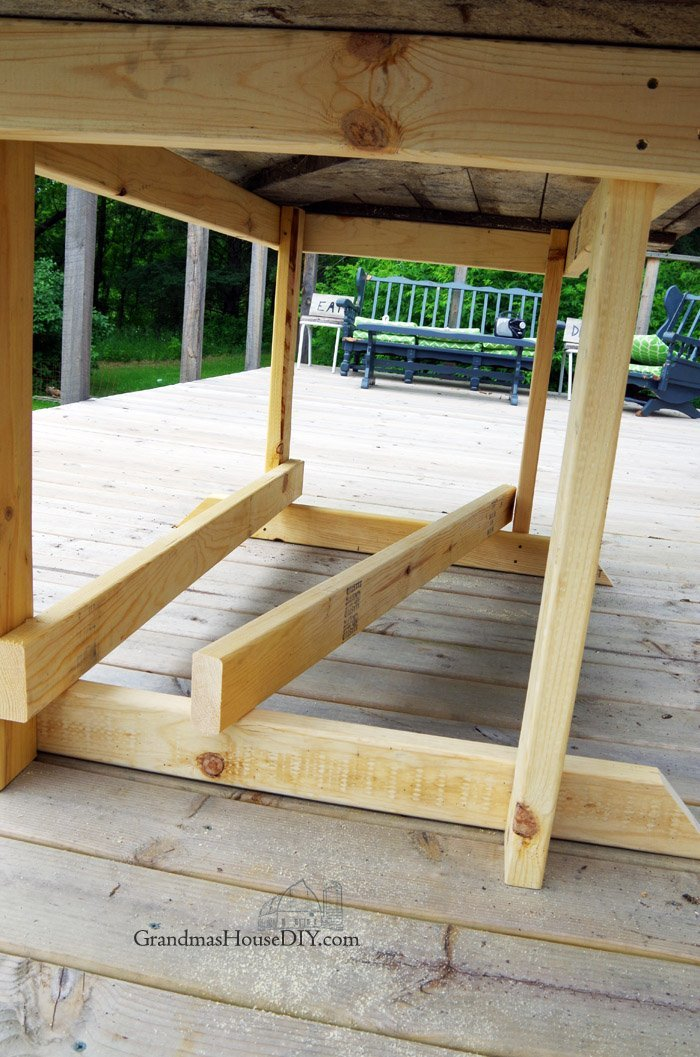 Do it yourself how to I built my base for a big barn door table to create an outdoor eating area for entertaining on our deck, wood working tutorial