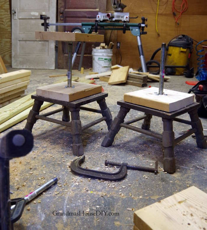 How to build workshop stool that are adjustable in height, rugged country wood working project tutorial out of barn wood and galvanized pipe
