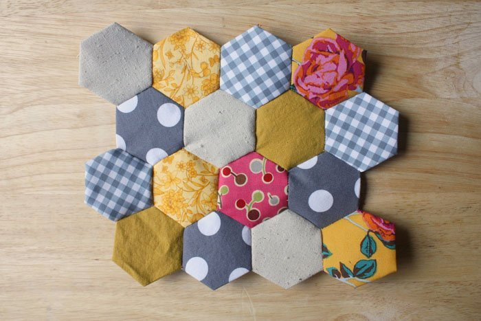 7 Easy Home Decor Sewing Projects If you love to sew, you are probably constantly looking for new ways that you can put your passion and talent to use.