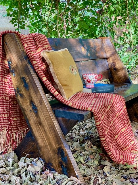Mary from Life at Bella Terra - DIY Outdoor Bench