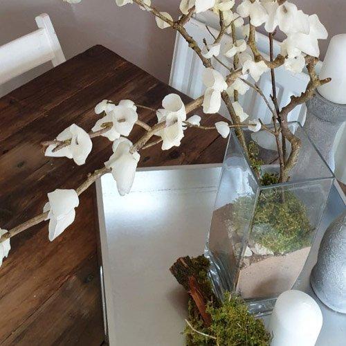 DIY Spring Crafts-Candle Flowering Branches Vase
