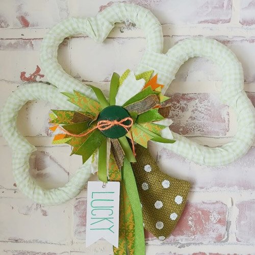 DIY Shamrock Wreath for St. Patrick's Day
