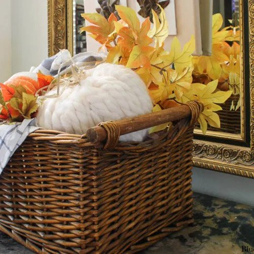 How to Decorate a Pumpkin with Yarn