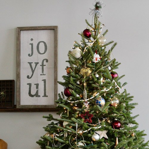 6 tips your mom knows about decorating a christmas tree