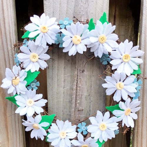Happy Daisy Wreath for Mother's Day