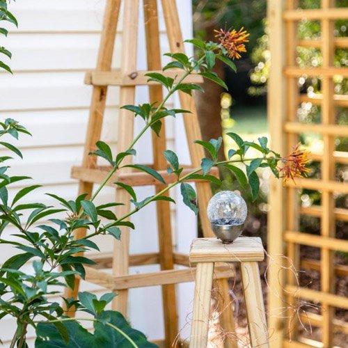KIPPI AT HOME - DIY Garden Obelisk