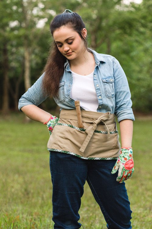 Kippi from Kippi at home - How to Sew a Garden Apron from a Vintage Shirt