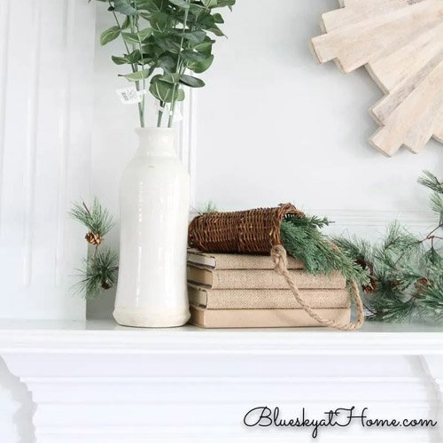 Green and White Rustic Winter Decor Ideas