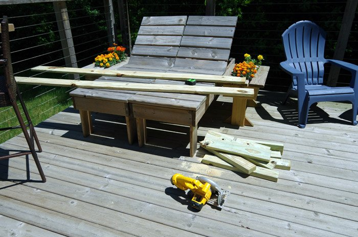 How to build a simple deck coffee table out of treated lumber, 2x4s and deck boards. Wood working project easy tutorial building it your self diy
