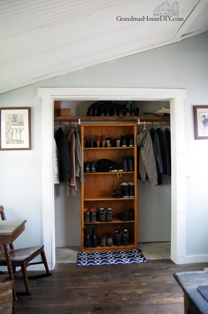 I have FINALLY finished cleaning up my yard and serious closet organization, emptying shoe closet and adding shoes shelves for a great entryway, clean yard