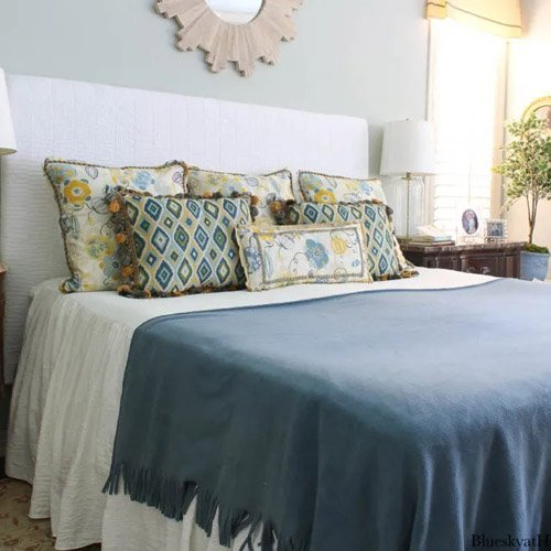 Blue and Gold Bedroom Decor for Fall