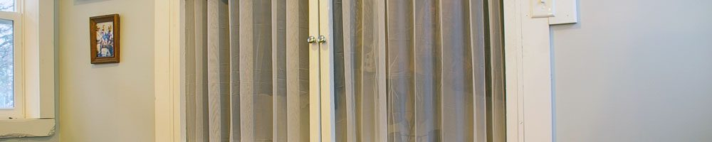 How to build your own inexpensive, easy and beautiful closet doors. Tips and tutorials, DIY, wood working, build projects, how tos How to build your own inexpensive, easy and beautiful closet doors. Tips and tutorials, DIY, wood working, build projects, how tos