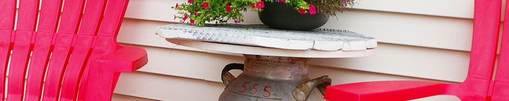 Tutorial on how to convert an old milk can into an outdoor end table for your back yard or deck, diy, wood working, tips, tutorials Tutorial on how to convert an old milk can into an outdoor end table for your back yard or deck, diy, wood working, tips, tutorials