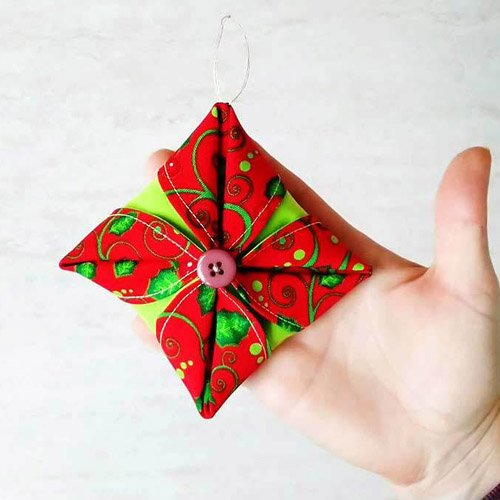 FOLDED FABRIC ORNAMENT | HANDMADE CHRISTMAS DECORATION