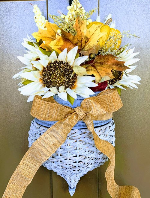 Niky from The House on Silverado - DIY Front Door Basket