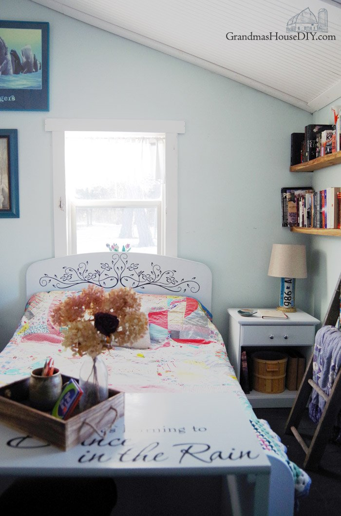 Introducing my brand new guest bedroom and library reveal! Country girl, country chic, country style, farmhouse style, farmhouse girl, farmgirl charm with sweet and easy design, grandma's quilt in a 100 year old home, floating barnwood book shelves and a beautiful stained glass window. Home Tour