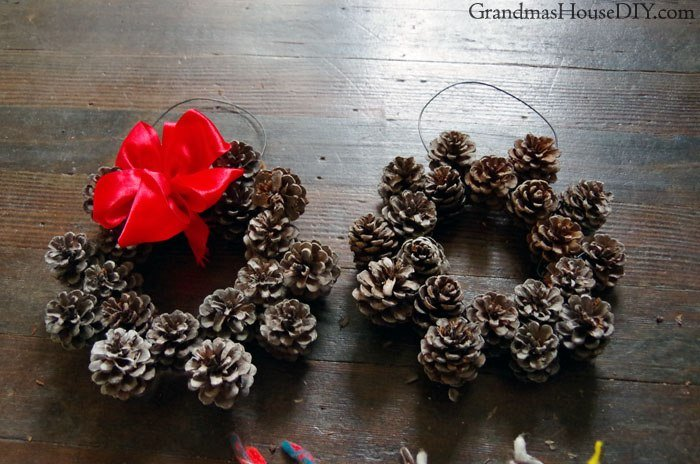 Small Diy Pine Cone Wreath 12 Days Of Christmas Blog Hop