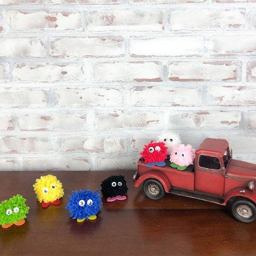 Pom Pom Critters – So Stinkin' Cute!