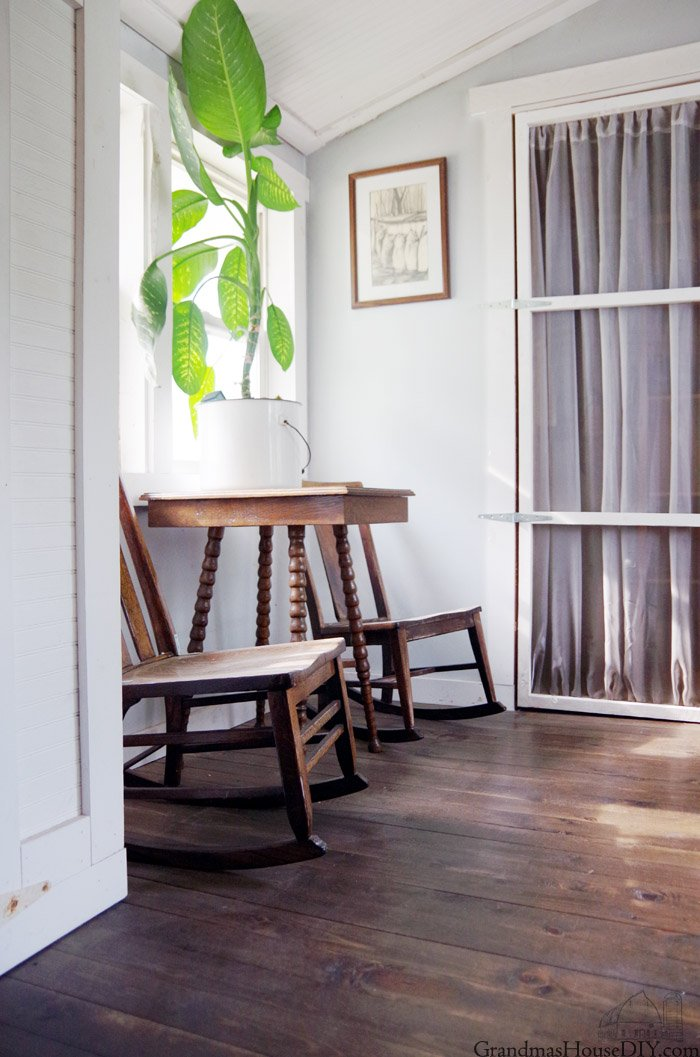 My new Office Reveal: how to create designated spaces in an open plan, create office space in an entryway and dining room without closing the room off.