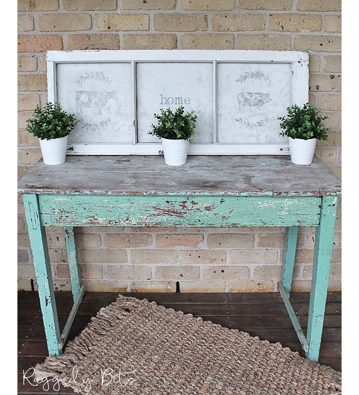 Farmhouse Hens Decorate, DIY, do it yourself, projects