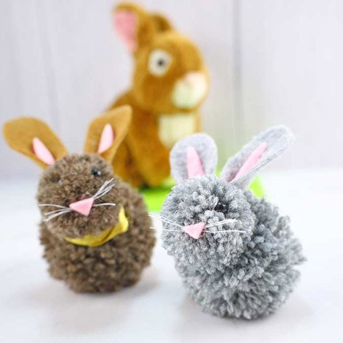 HOW TO MAKE A POM POM BUNNY (VIDEO) + FREE PATTERN