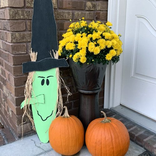 DIY: EASY FALL WOOD SCARECROW