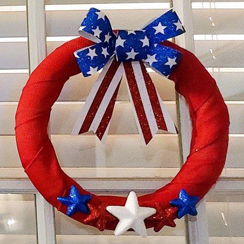 DIY Patriotic Wreath: Fast & Easy!